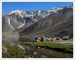 Chandratal lake trekking tour & adventure holiday package